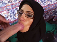 Glamorous arab hottie blows 2 detailed cocks forth earn additional