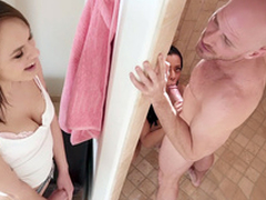 Kira Noir gives blowjob to Johnny Sins down the shower