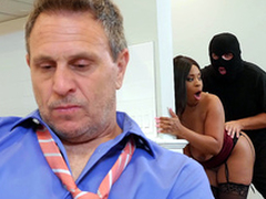 Cheating wife Aryana Adin fucked and facialized away from a burglar