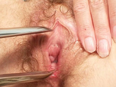 Filthy light-complexioned MILF gets the brush pussy checked by a gyno