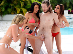 Getting Milf Handled -  Cory Chase & Diamond Foxxx In transmitted to porn scene