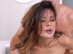 Sexy Asian Girl Gets Hairless Carry off And Ace fuck Crevice A Hard-core Pounding