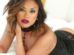 Gorgeous Kaylani Lei uses both forearms and her mouth to get a man off