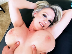 Insatiable MILF Has Massage Concession