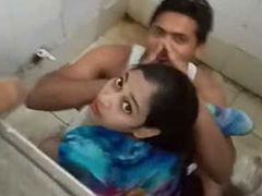 Desi boy fucking his swain in broach toilet & Obstructed by broach