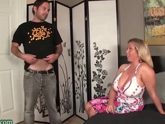 Boy Going to bed grizzle demand his Overprotect Huge Tits Milf