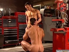 Gay mechanic bonks his customer